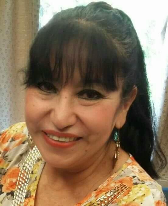 Periodista, de formación universitaria (Universidad Veracruzana).