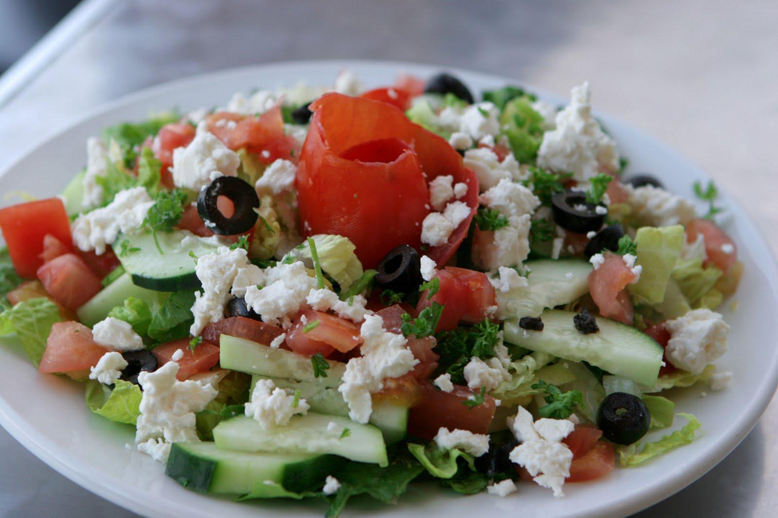 http://4.bp.blogspot.com/-iQYo8TxgxAg/TX5m5ps5SlI/AAAAAAAACk8/qv0hL-vtUX4/s1600/greek_salad_2_m0ll_qq01.jpg