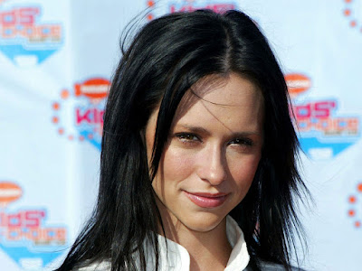 Photos of Jennifer Love Hewitt