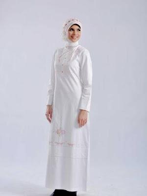 model baju gamis muslim warna putih terbaru