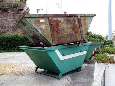 Dumping a dumpster, Livorno