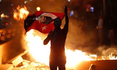 Ο «Σουλεϊμάν ο Μεγαλοπρεπής» εξηγεί γιατί η Τουρκία φλέγεται