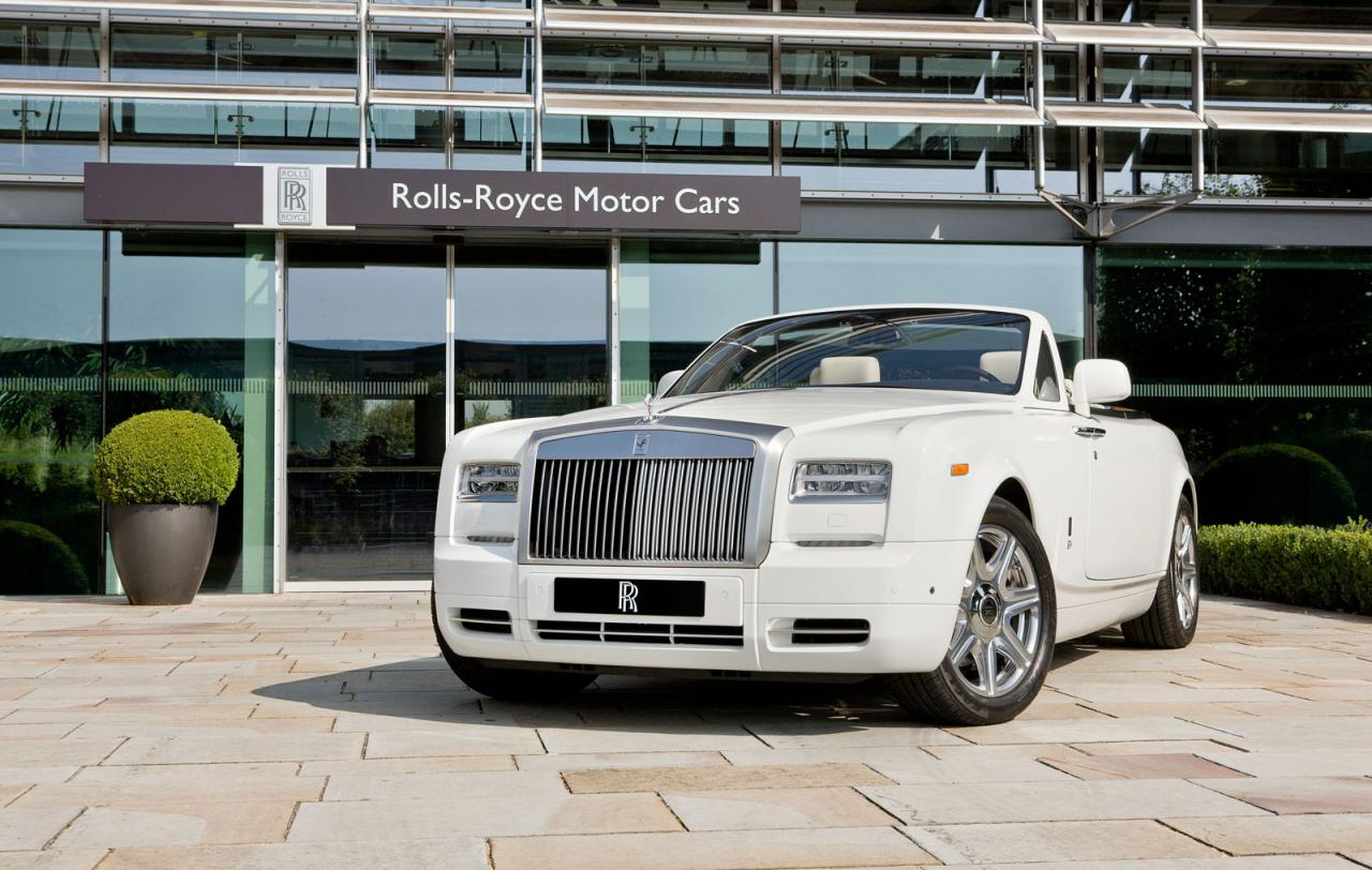 Rolls Royce Phantom Drophead Coupe In The 2012 Summer