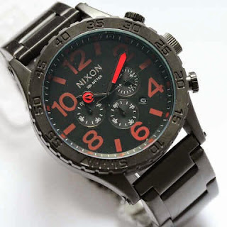 Nixon Monster hitam merah
