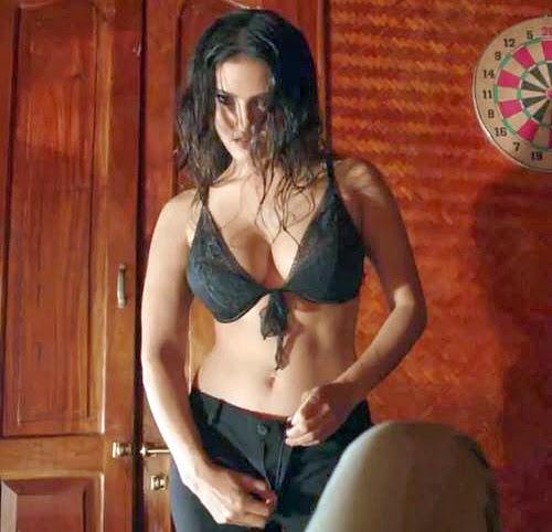 Sunny Leone in Jackpot Movie Hot