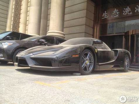 Unfortunately, Ferrari Enzo abandoned in china