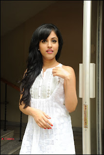 Priya Banerjee Pictures at Kiss Movie Teaser Trailer Launch Event  0019.jpg