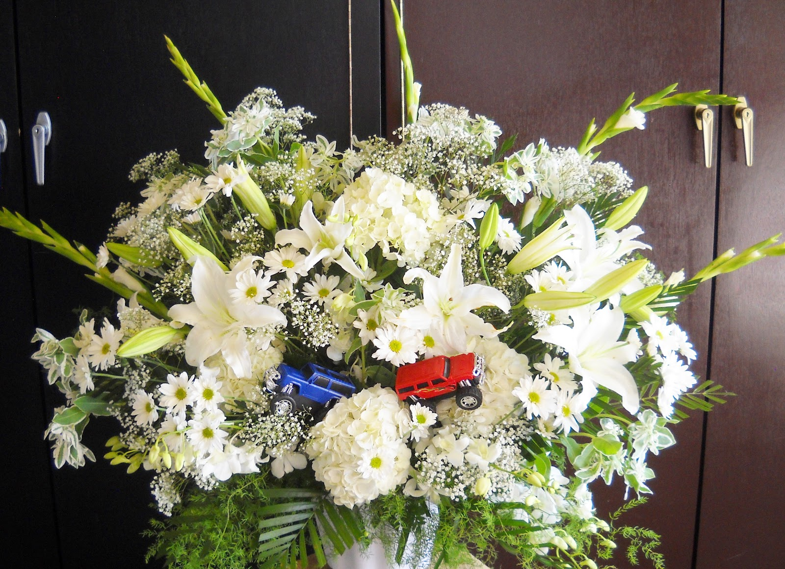 Beckys tips events decor life flowers and a prayer for the i have done sports themed funeral florals in a favorite team or just all sports for the sports fan my brother recently passed and he was a sports fanatic izmirmasajfo