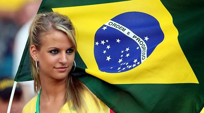 World Cup Brazil 2014: sexy hot girls football fan, beautiful woman supporter of the world. Pretty amateur girls, pics and photos   Brasil selecao brasileira garota
