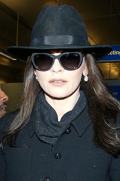 Celebrity street style Catherine Zeta-Jones