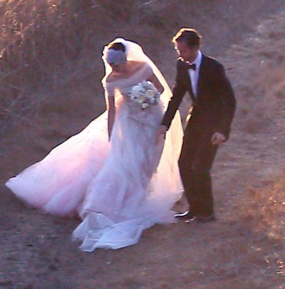 Anne Hathaway Gown: ANNE HATHAWAY 'S WEDDİNG PİCTURES