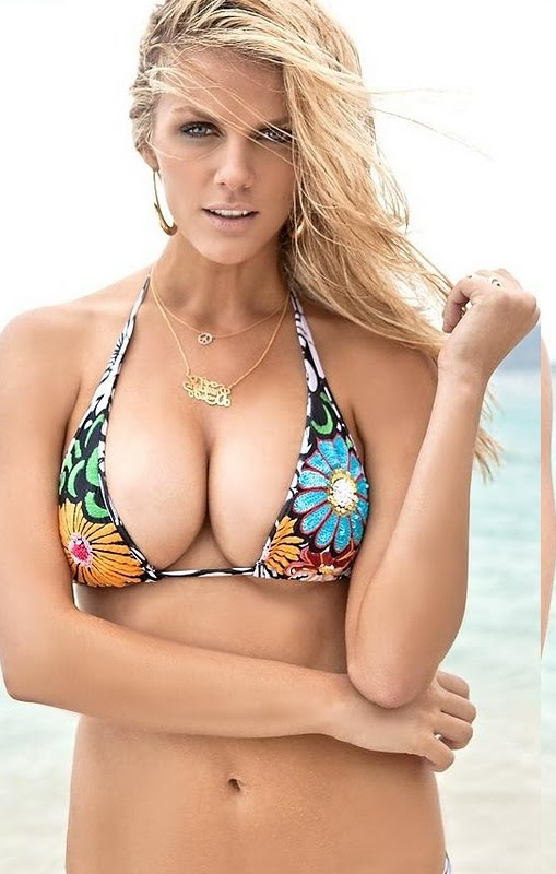 Brooklyn Decker Hot Pictures And Wallpapers