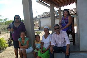 A escola juntinho da família