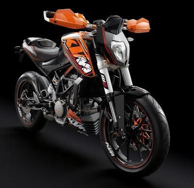 2011-KTM-125-Duke