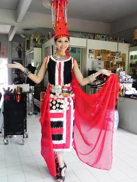 Tze Tay,miss earth malaysia 2011