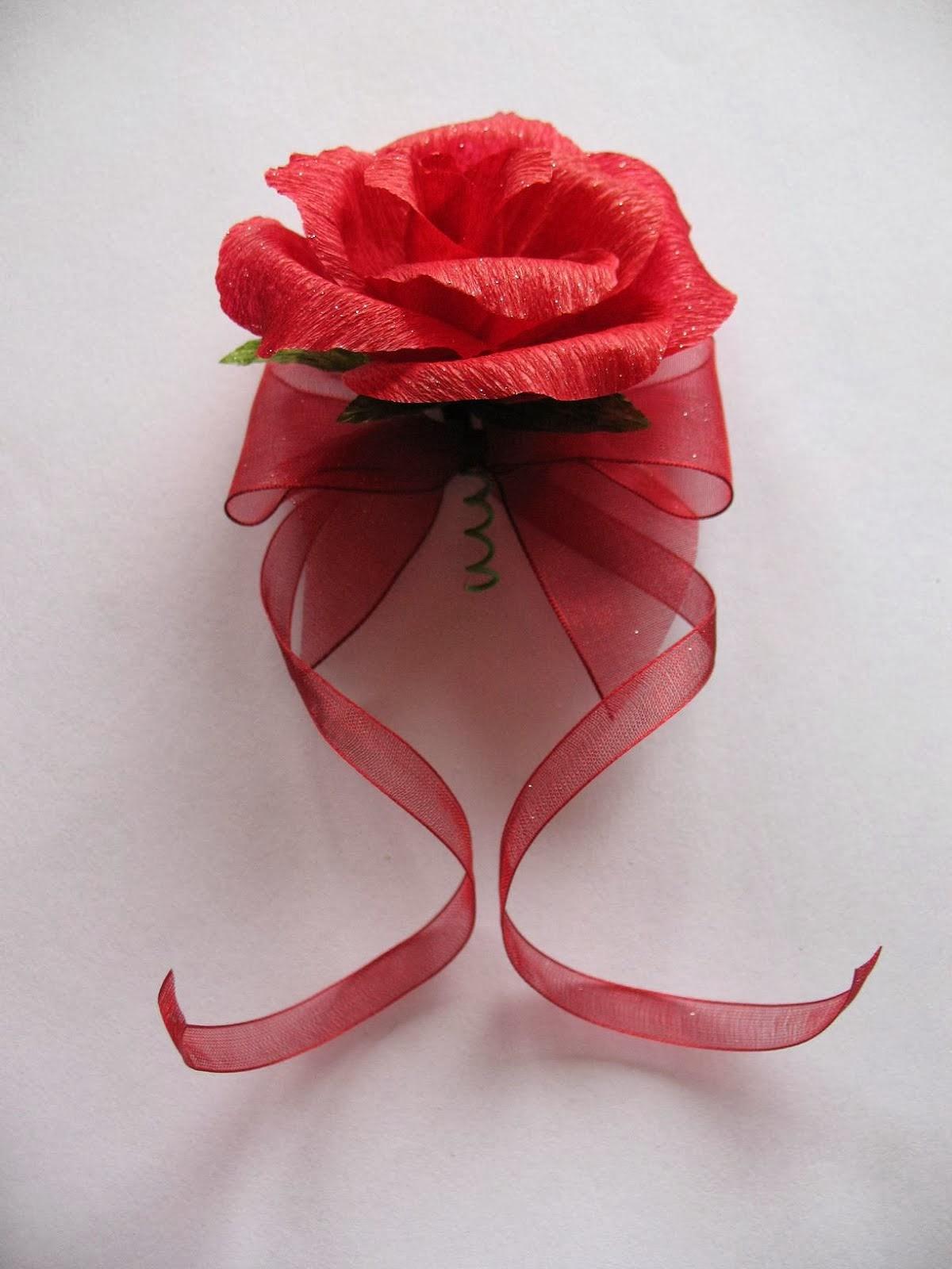 Kotylion na rękę - róża niewywijana