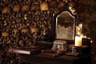 Catacombes de Paris lieu insolite Halloween Horreur