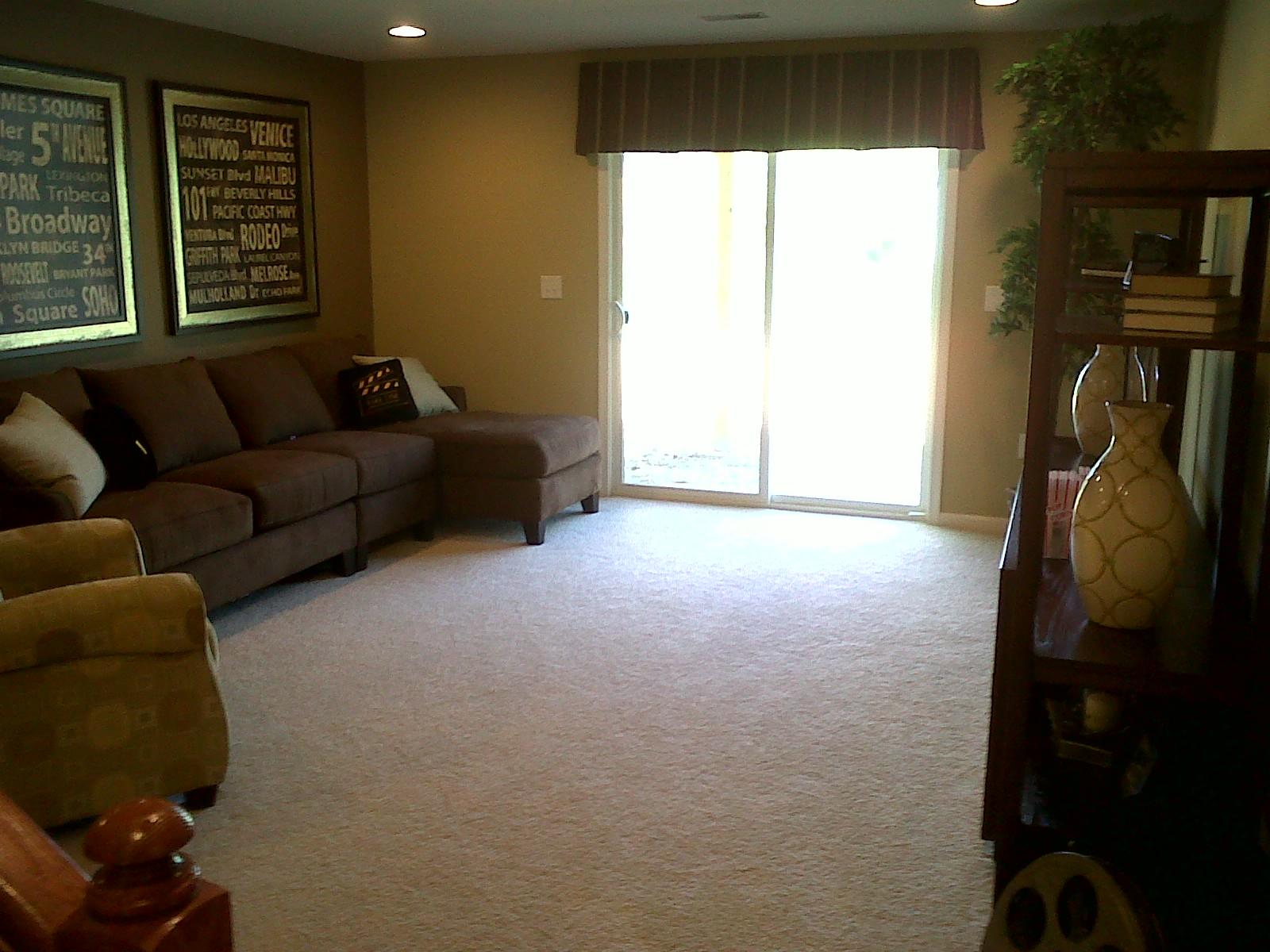 basement 1 basement 2 guest room 1 guest room 2 coat closet dining we title=