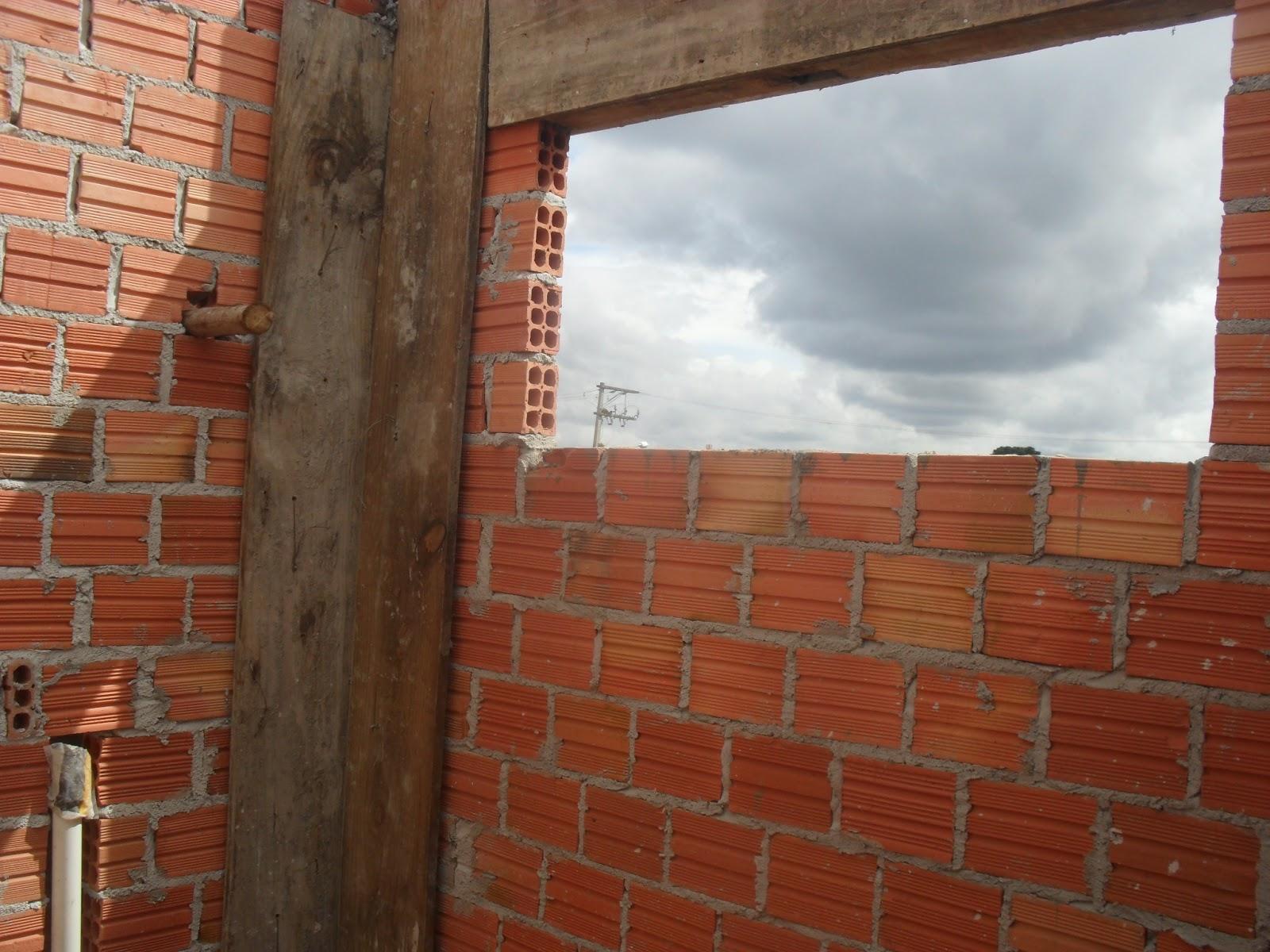 Construindo minha casa meu sonho Com fé em Deus tudo é alcançado  #713B27 1600 1200