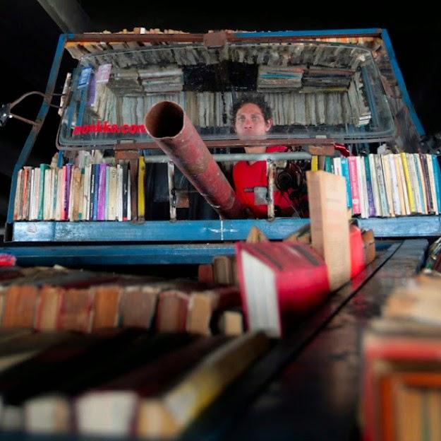 desain-tank-perpustakaan-keliling-mobil-ford-falcon-raul lemesoff-002