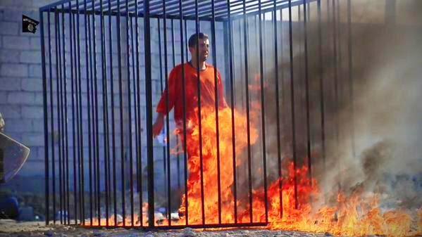 Estado Islámico quema vivo a piloto Jordano