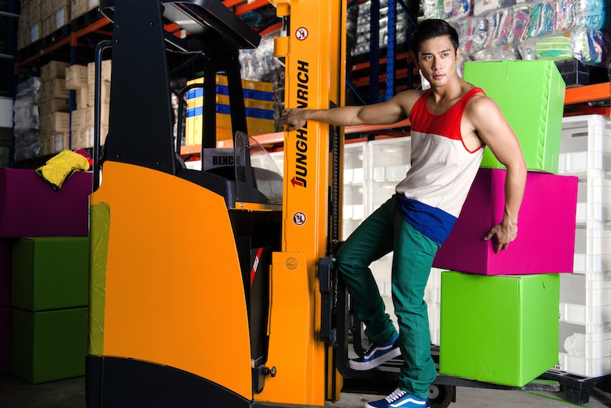 go see GEO : Model Monday Mayhem: BENCH Summer Ad Campaign 2013