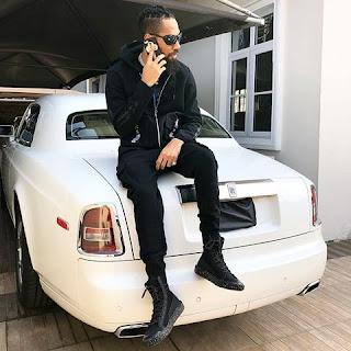 Phyno shows off his Rolls Royce Phantom
