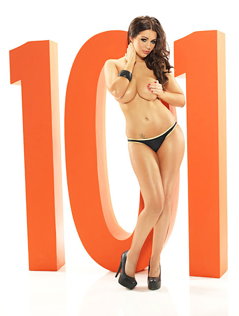 Holly Peers Big Boobs Outtakes From The 101 Topless Babes Photoshoot For Nuts indianudesi.com