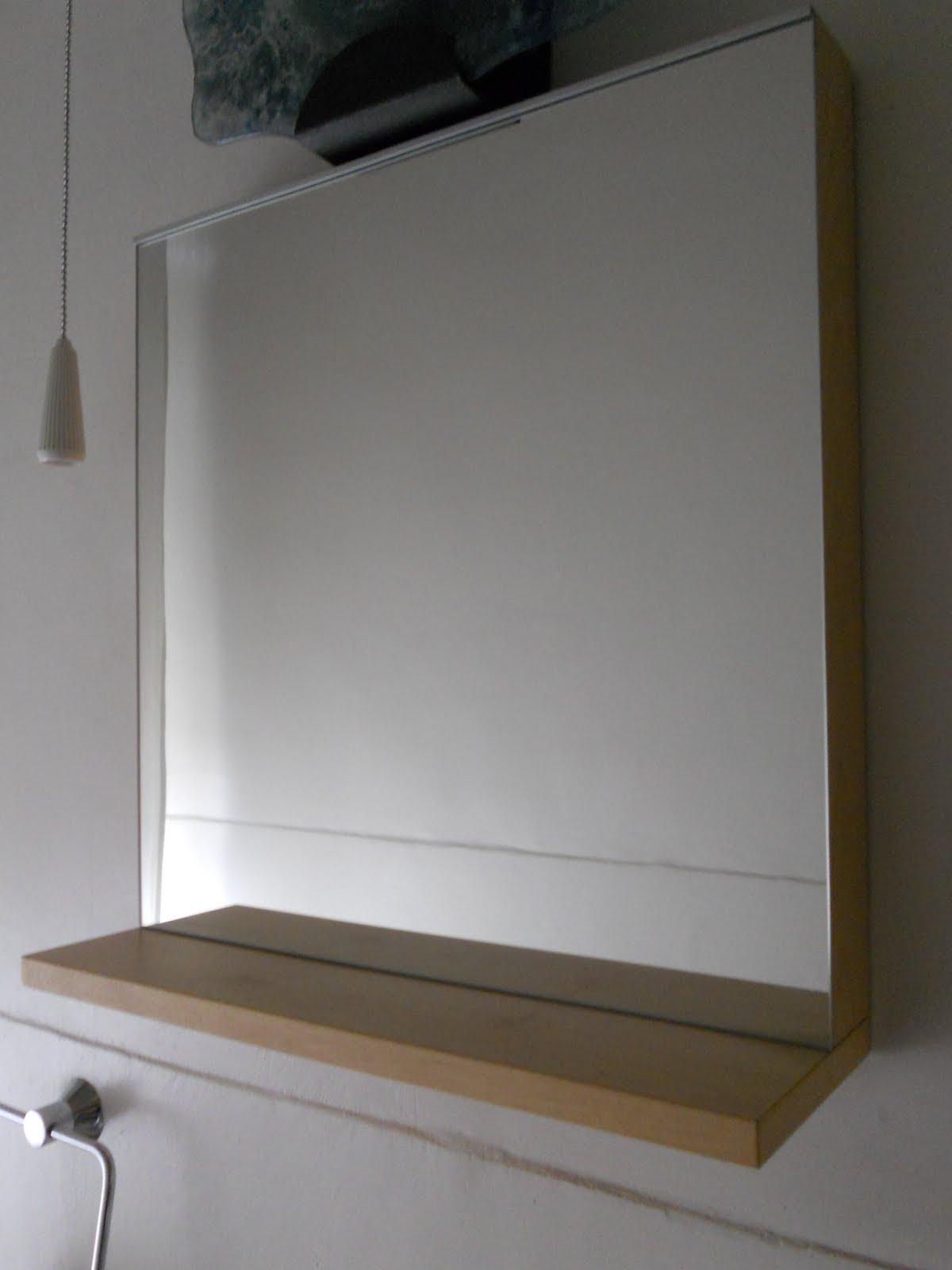 Qui trasloco ritirato specchio con mensola - Specchio con mensola ...