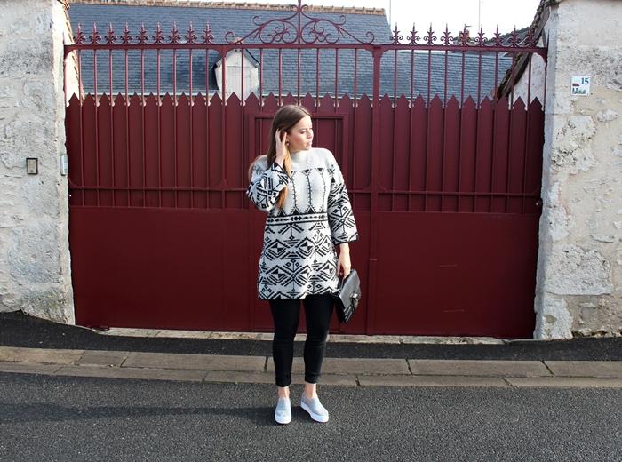Villa Strickoberteil, Strickoberteil, Strickoberteil mit Print, La Mode et Moi, Fashionblogger Cologne, Modeblog Köln, Modeblog, Boutique Belgique, hoher Kragen