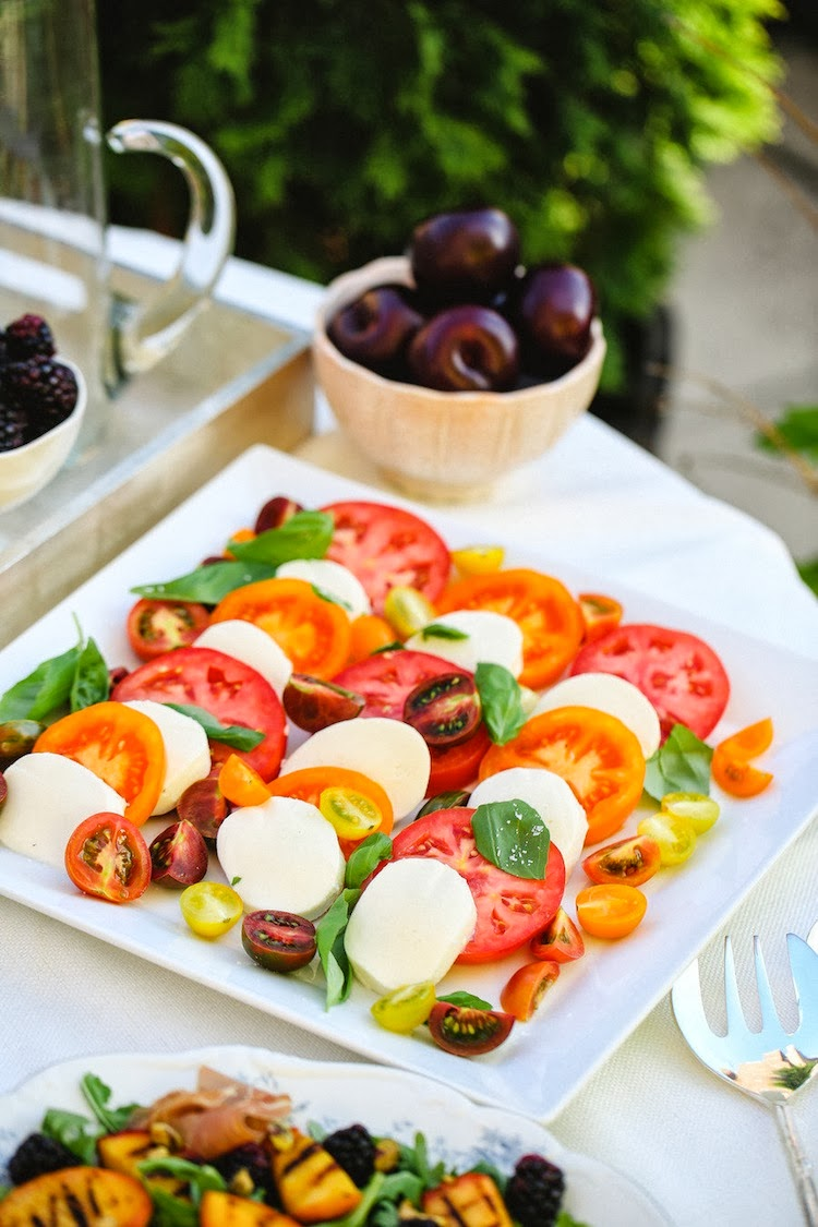 Heirloom Tomato and Mozarella Salad | Pill Photography