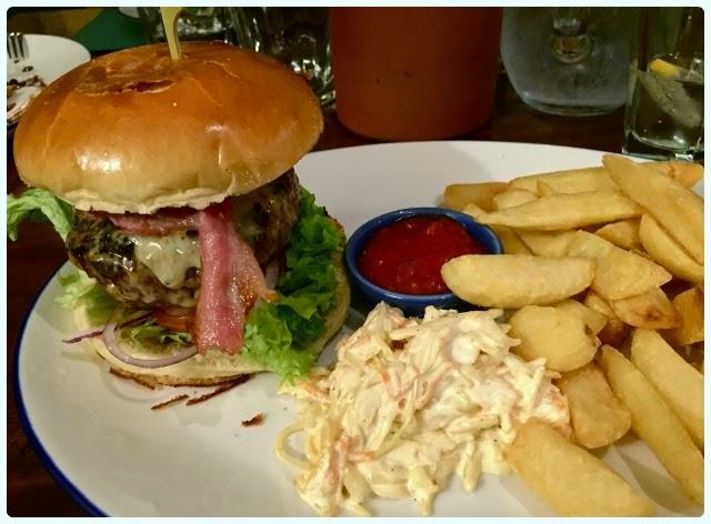 The Aspinall Arms, Clitheroe - Burger