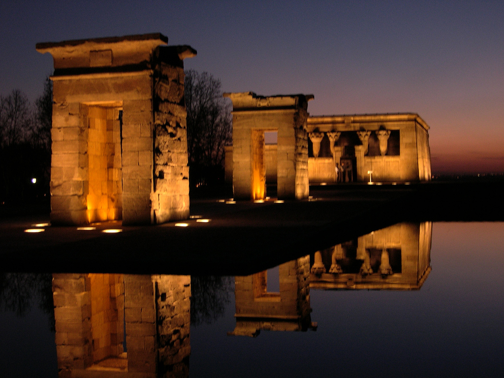 http://4.bp.blogspot.com/-iViFO4KYZ2Y/UJGJn5xIDmI/AAAAAAAAAQo/LTCNNMYDS_c/s1600/Templo+de+Debod.jpg
