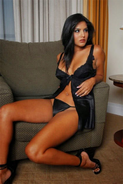 Sunny leone all hot sexy bikini navel show belly visibl pics hd sexu nude pics