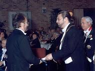La entrega del Diploma de la Imperial Orden Hispánica de Carlos V, con el Ilmo Enrique de Borbon