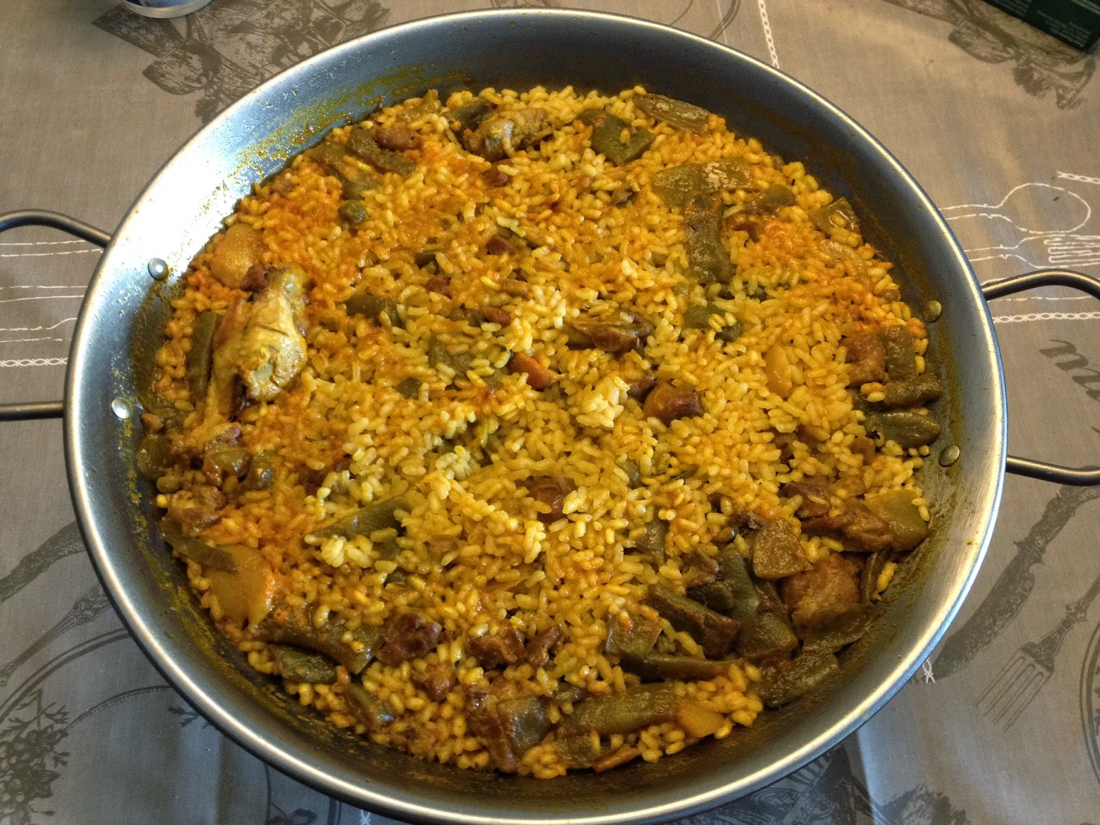 Can joan i sara productos gastraval kit barbacoa paella valenciana y paella marinera - Cocina con sara paella ...