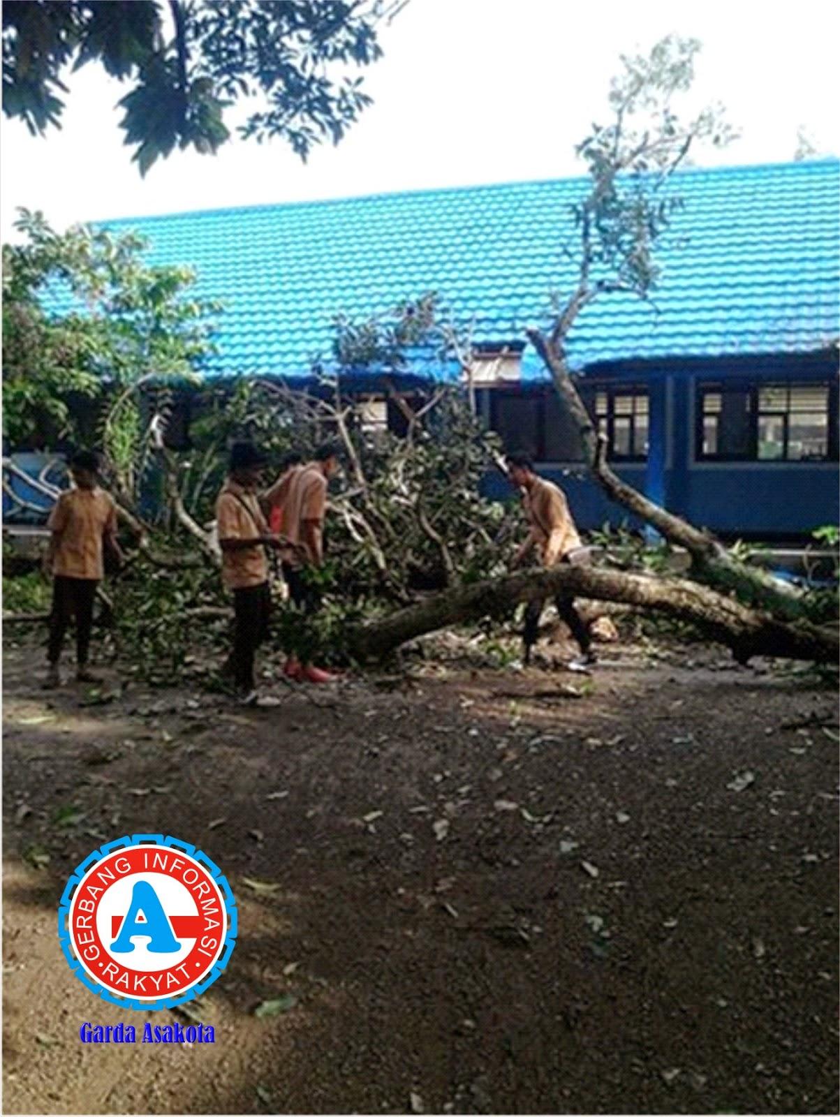 Angin Puting Beliung Rusak  Puluhan Rumah di Kecamatan Sape