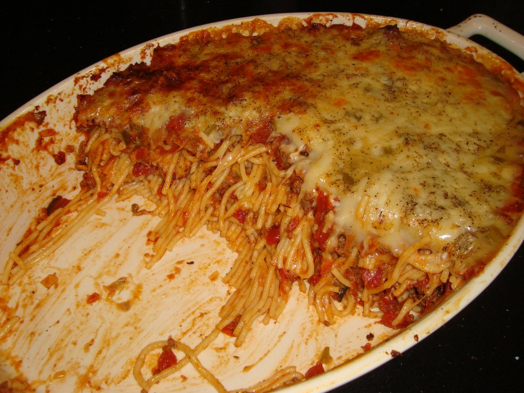Sarah's Kitchen: Baked Spaghetti