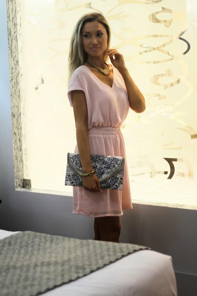 look do dia, pastel pink dress, vestido rosa pastel, dourado, ootd, outfit, mango, accessorize, clutch, sandálias, zara, parfois, candy colors, estilo elegante, style statement, alentejo marmòris hotel & spa, dicas de imagem, blog de moda portugal, blogues de moda portugueses, tendências, primavera verão 2014