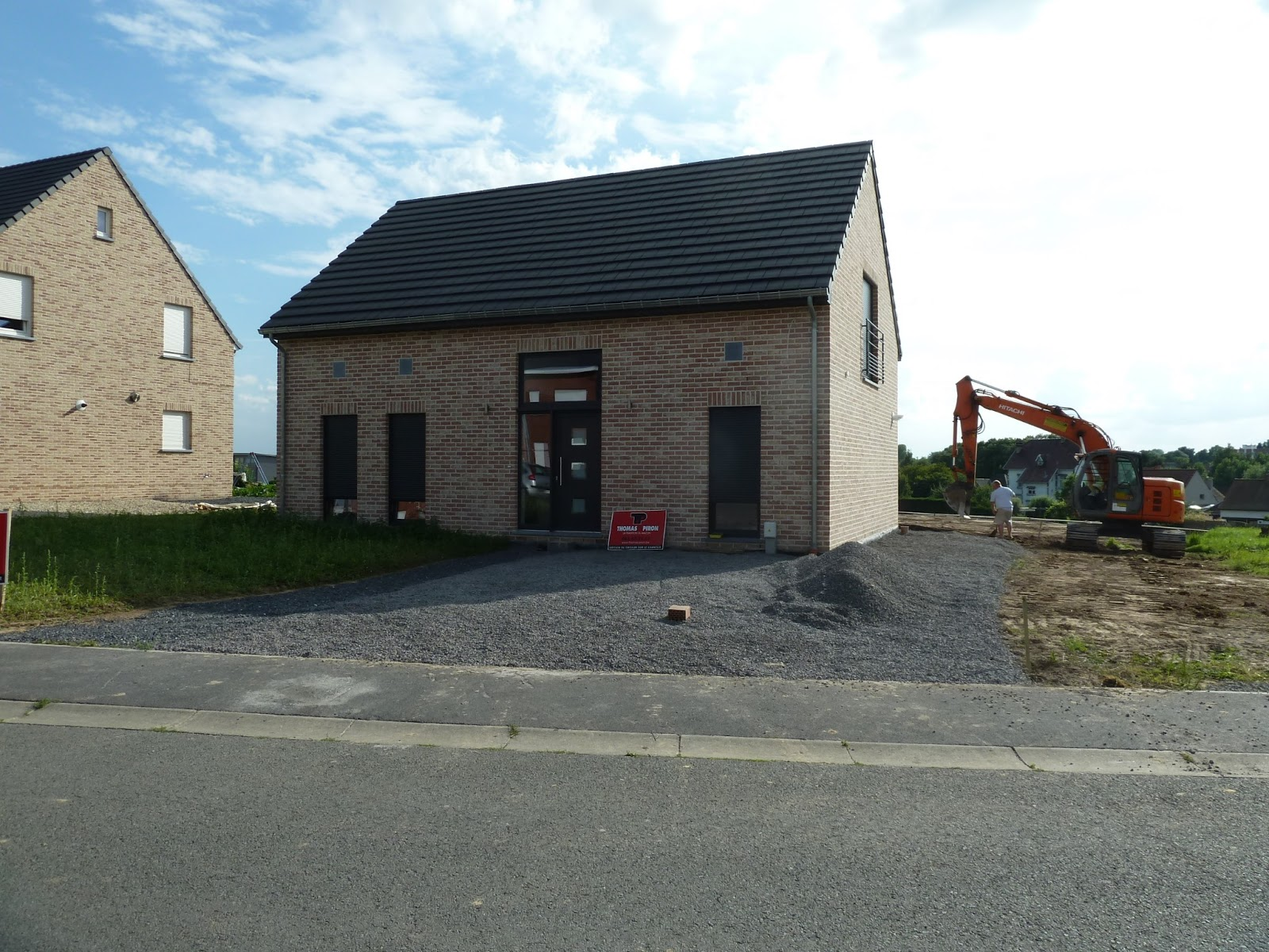 La construction de notre maison le terrassement 2 for Terrassement maison