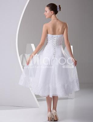 Élégant sans bretelles A-ligne de robe de mariée en satin Mini