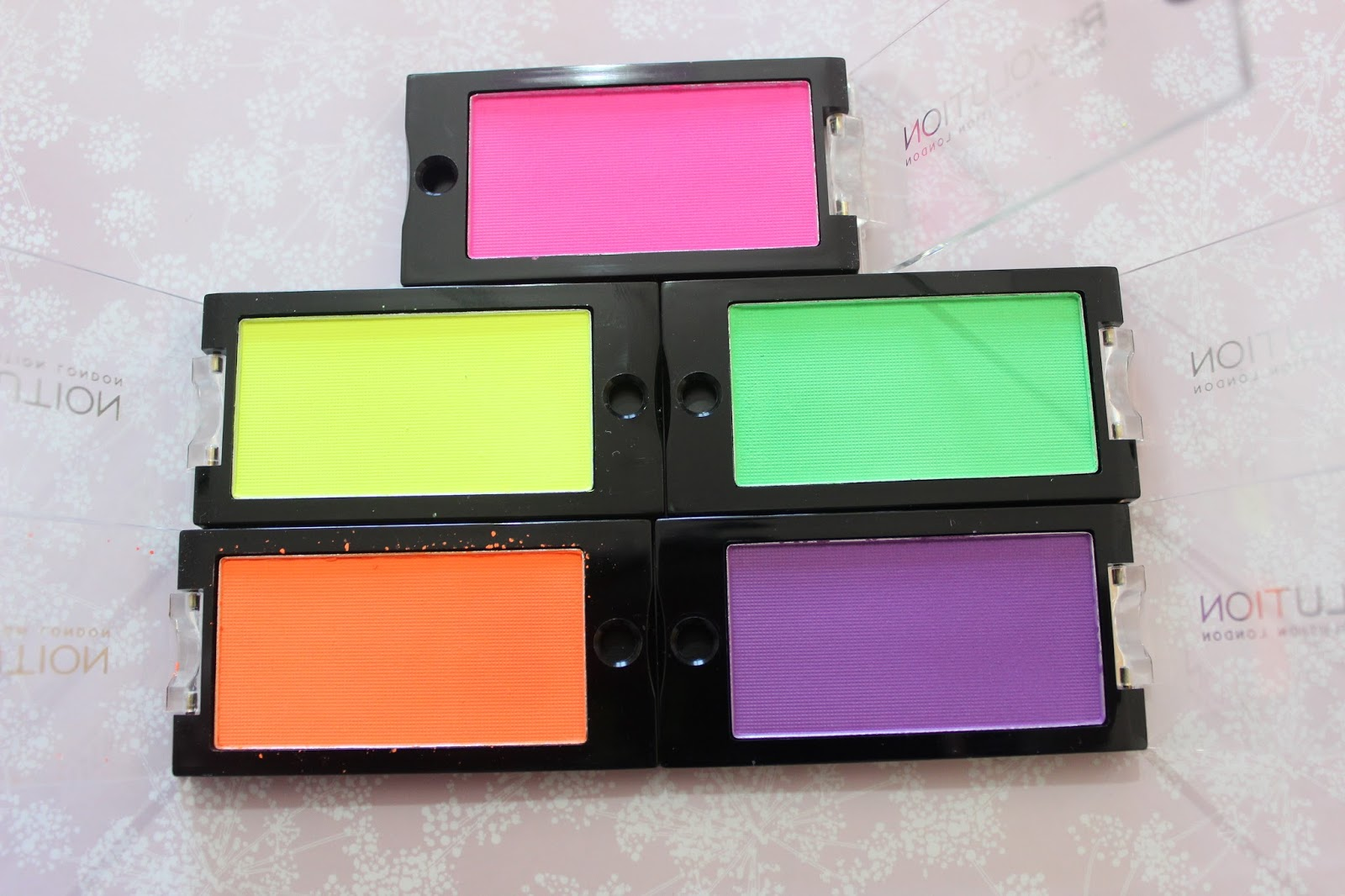 Makeup Revolution Scandalous Eyeshadow Collection