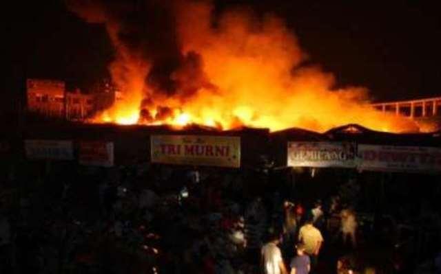 Pasar Tradisional Cik Puan Pekanbaru kebakaran