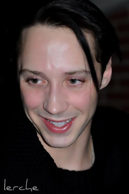 Johnny Weir. Photo © Tatiana Edrenkina @ Official Johnny Weir Blog.