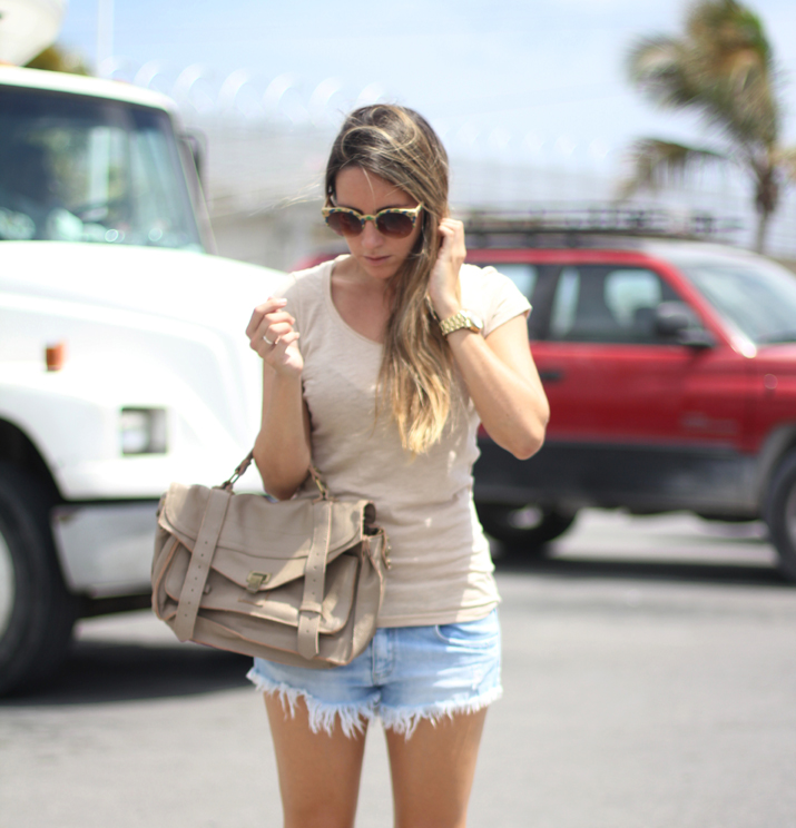 Casual outfit with shorts by blogger