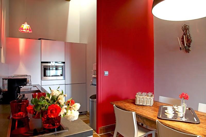 MI RINCÓN DE SUEÑOS: Una cocina con detalles rojos