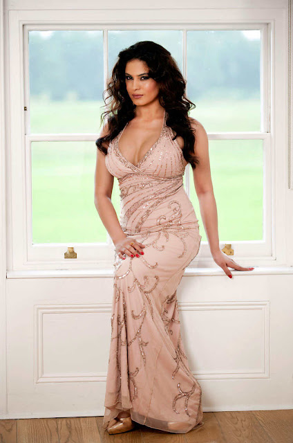 Hot Veena Malik Pictures