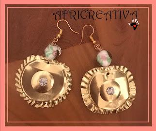 Orecchini pendenti con perla in vetro