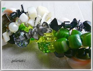 Naszyjnik zielony, czarny i ecru - szkło, koraliki, porcelana, masa per