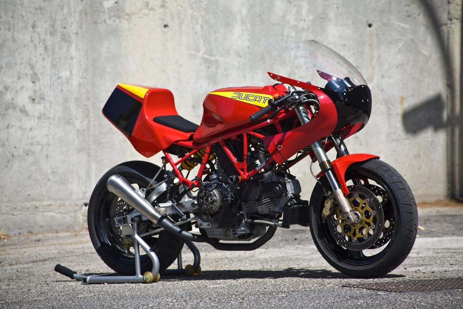 1981 Ducati 900 SS - Moto.ZombDrive.COM